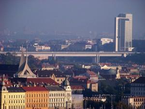 800px-Nuselský_most,_z_Kinského_zahrady