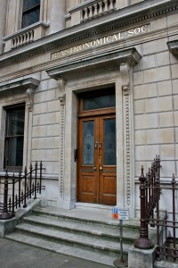Entrance_to_the_Royal_Astronomical_Society_2