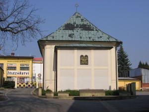 1024px-Rychnov_Synagogue