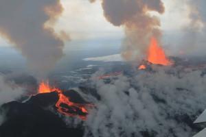 Bárðarbunga_Volcano,_September_4_2014_-_15143266611