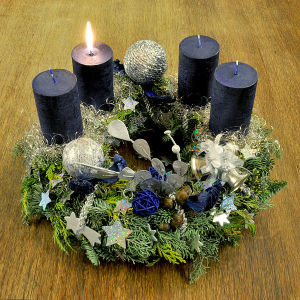 600px-Advent_wreath_2011